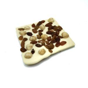 Λευκή σοκολάτα σταφίδα φουντούκι